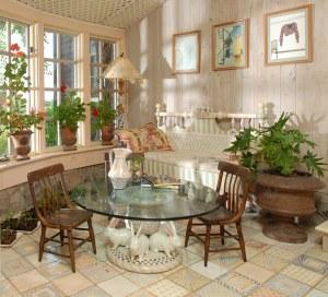 Sun Room, Rabbits-Base Table